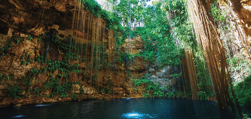 Cancun's Stunning Geographical Features
