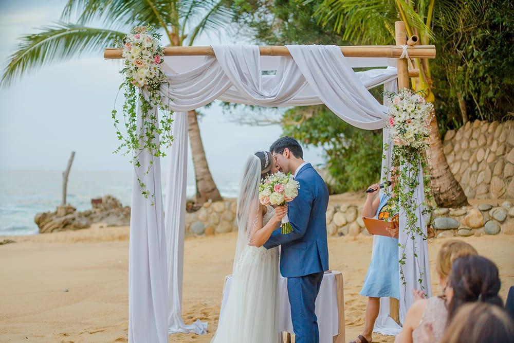 Destination wedding ceremony in Mexico coordinated by Adventure Weddings