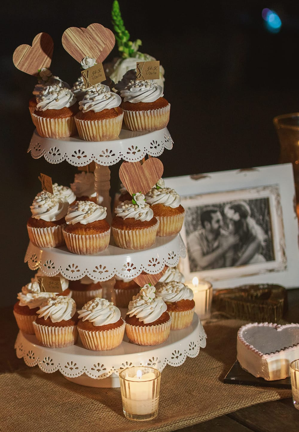 Cupcakes for small destination wedding by Adventure Weddings