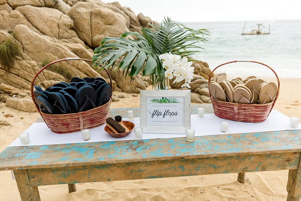 Flip flops as favours for guests at destination wedding in Mexico coordinated by Adventure Weddings