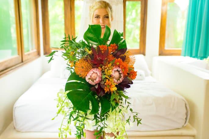 Tropical Wedding Bouquet for Beach Wedding