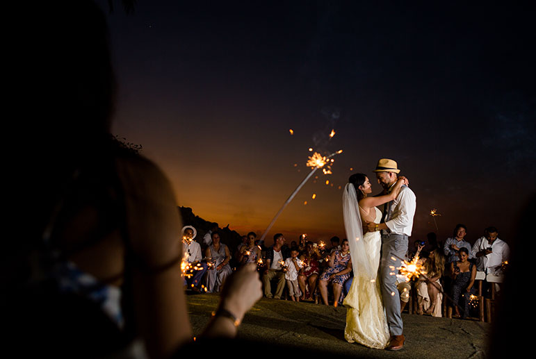 10 Reasons to have a Sunset Wedding